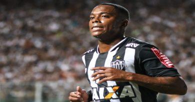 Robinho se adapta ao estilo mineiro e vê Atlético-MG 'comendo pelas beiradas'