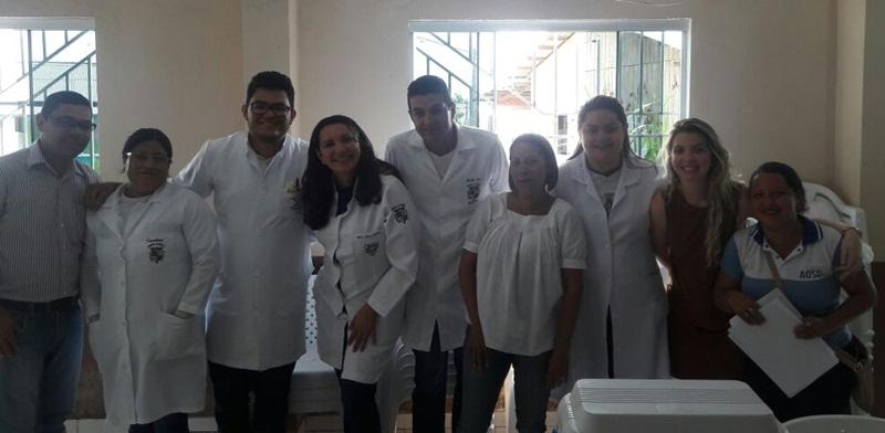 A ação contou com 7 alunos de enfermagem; agentes de postos de saúde e médicos. (Foto: Richard Silva)