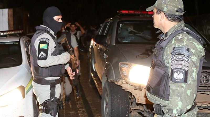Polícia prende suspeitos e apreende armas de fogo durante operação