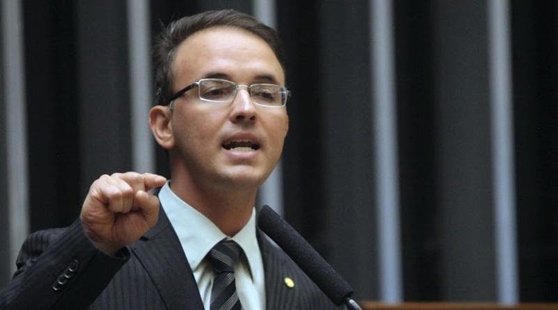 Deputado quer criar comissão para acompanhar ocupação estudantil