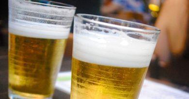 Pai é preso após dar bebida alcoólica para o filho de dois anos