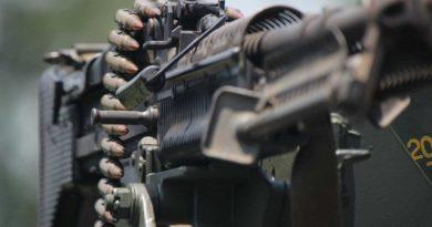Polícia descobre fábrica clandestina de metralhadoras em São Paulo