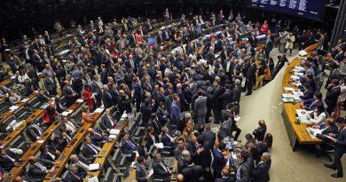 Corrupção e reformas polêmicas marcam política brasileira em 2017